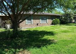 Bank Foreclosures in GIDDINGS, TX