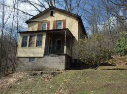Bank Foreclosures in CLYMER, PA