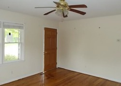 Bank Foreclosures in NICHOLASVILLE, KY