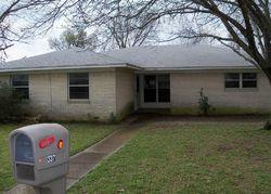Bank Foreclosures in QUINLAN, TX