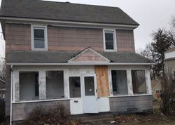 Bank Foreclosures in MANCHESTER, CT