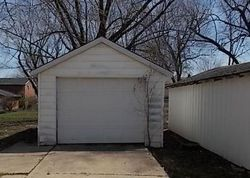 Bank Foreclosures in CENTERVILLE, IA