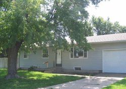 Bank Foreclosures in HUTCHINSON, KS