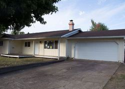 Bank Foreclosures in DAYTON, OR