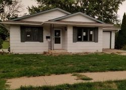 Bank Foreclosures in CHARITON, IA