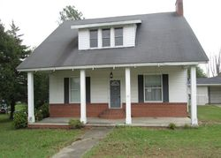 Bank Foreclosures in CLAY, KY