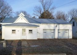 Bank Foreclosures in ARLINGTON, IA