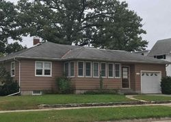 Bank Foreclosures in CHARLES CITY, IA