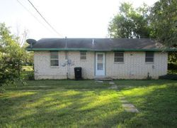 Bank Foreclosures in PEARSALL, TX