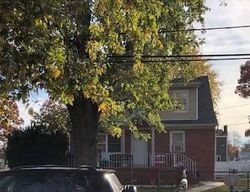 Bank Foreclosures in AMITYVILLE, NY