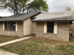 Bank Foreclosures in UVALDE, TX