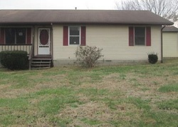Bank Foreclosures in CROFTON, KY