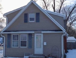 Bank Foreclosures in CLINTON, IA