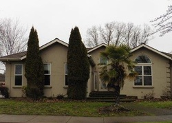 Bank Foreclosures in EAGLE POINT, OR