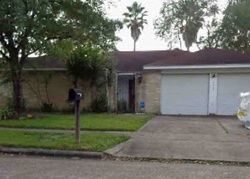 Bank Foreclosures in FRIENDSWOOD, TX