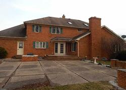 Bank Foreclosures in BETTENDORF, IA