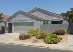 Bank Foreclosures in CLOVIS, CA