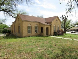 Bank Foreclosures in SONORA, TX