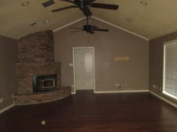 Bank Foreclosures in SULPHUR SPRINGS, TX