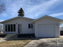 Bank Foreclosures in BOTTINEAU, ND