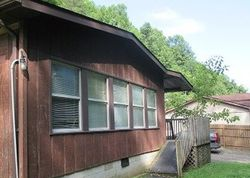 Bank Foreclosures in PRESTONSBURG, KY