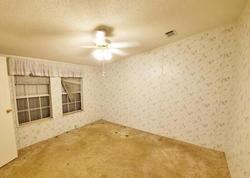 Bank Foreclosures in MOORE HAVEN, FL