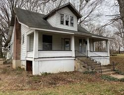 Bank Foreclosures in HORSE CAVE, KY