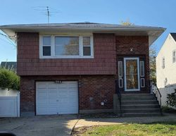 Bank Foreclosures in HEMPSTEAD, NY