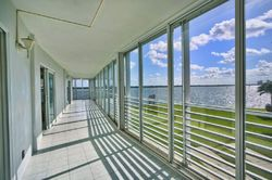 Bank Foreclosures in NORTH PALM BEACH, FL
