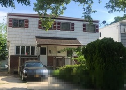 Bank Foreclosures in ROSEDALE, NY