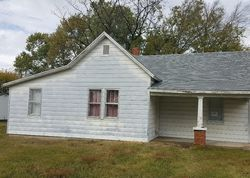 Bank Foreclosures in MARSHFIELD, MO