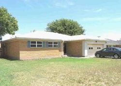 Bank Foreclosures in FRITCH, TX