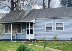 Bank Foreclosures in HUNTINGTON, WV