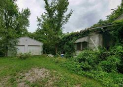 Bank Foreclosures in MONTROSE, MO
